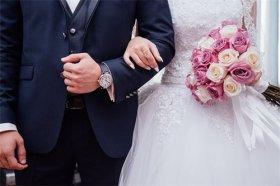 72年属鼠男人的婚姻如何,顾家爱老婆